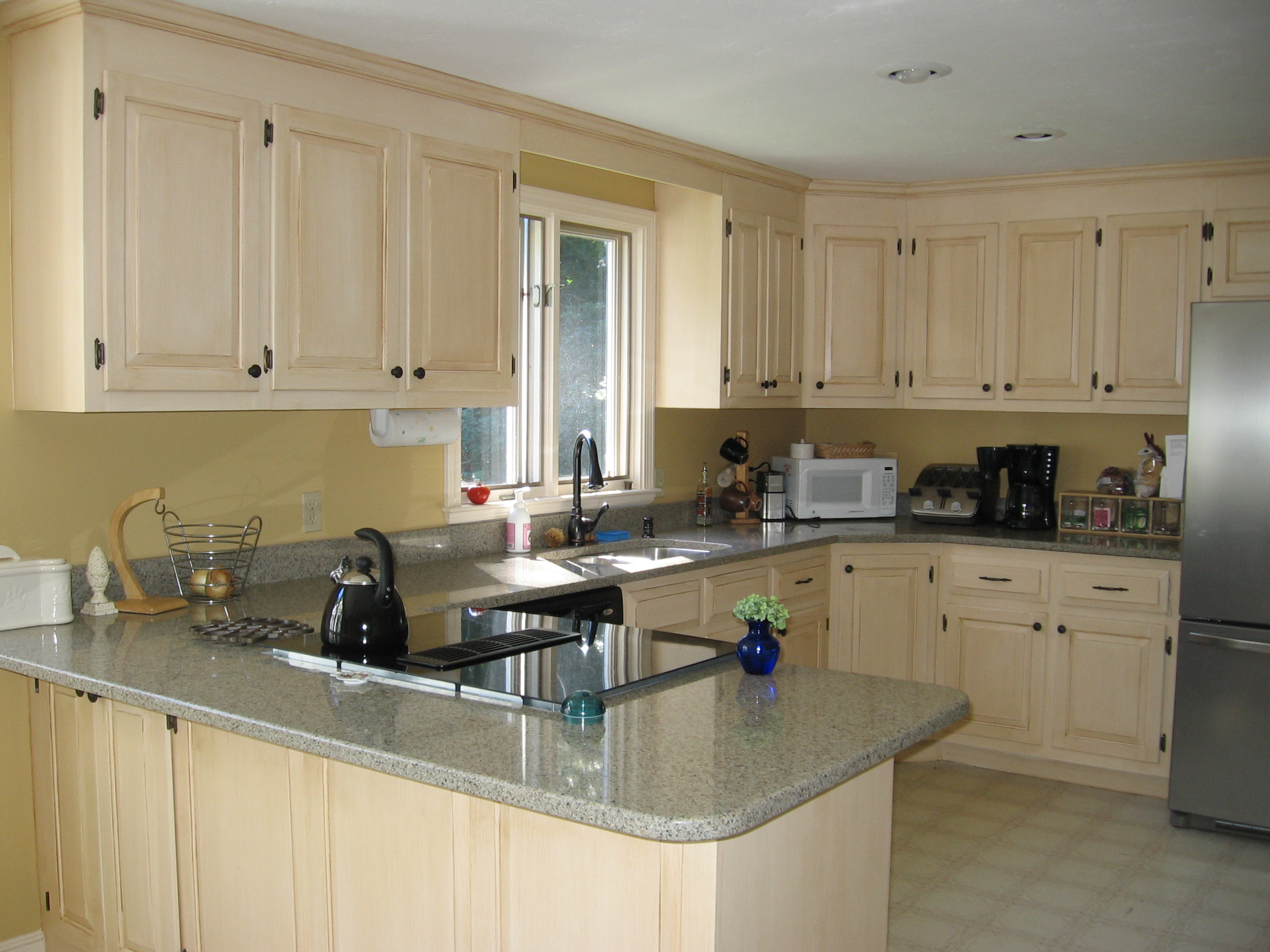 Special discounts on painting kitchen cabinet refinishing for Painting kitchen cabinets
